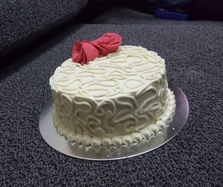Super Zudua Buy Vanilla Cake Decorated With Round Shape Design Fondant Funny Birthday Cards Online Hendilapandamsfinfo